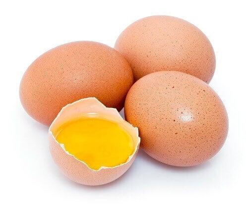 yumurtalar ve yumurta sarısı
