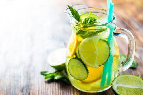 salatalıklı limonata