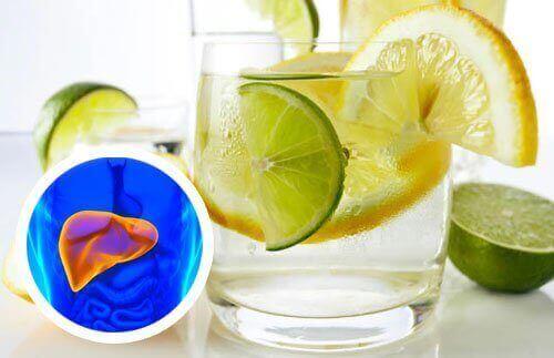 Kalp ve Karaciğeriniz İçin Limonlu Su