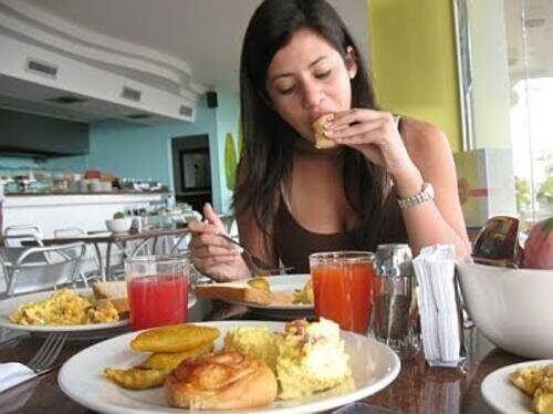 Aşırı Yeme İsteği Nelerden Kaynaklanır?