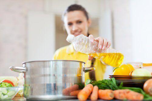 Sağlığınız İçin Faydalı ve Zararlı Olan Yemeklik Yağlar