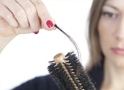 Saç Dökülmesini Önleme Yöntemleri