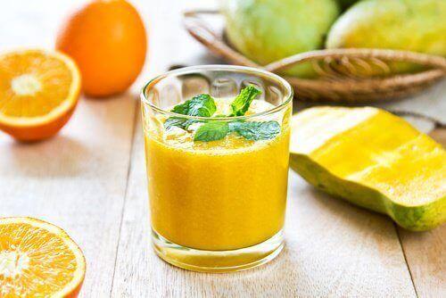 Böbrek Taşı ile Mücadele Eden 5 Meyve Sebze Suyu