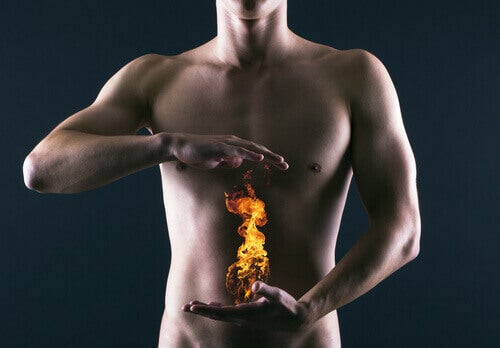 çıplak adam ve ateş