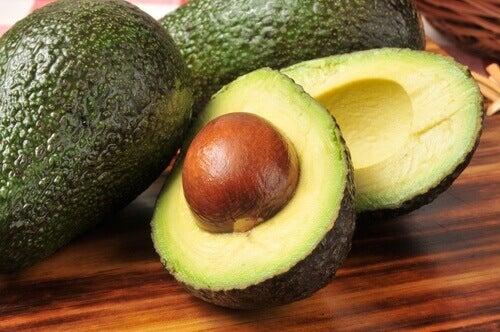 Avokado Çekirdeği: Atmamak için 7 Sebep