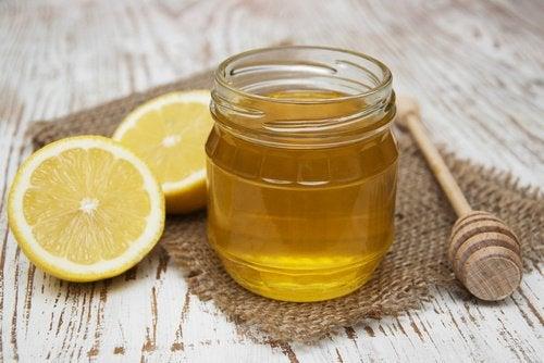 bal limon ve düz saç
