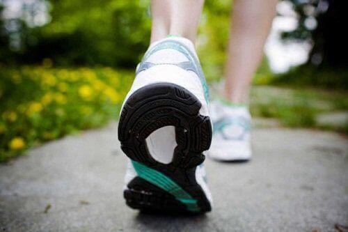 yürüyüş-ayakkabısı