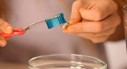 diş-fırçası
