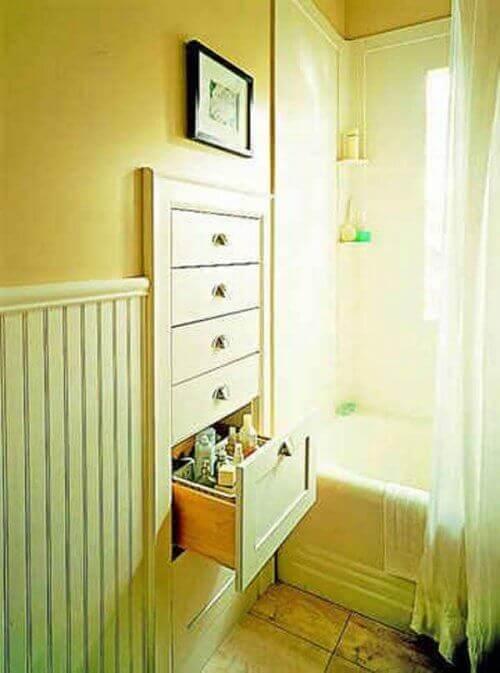 banyoda yer açmak için gömme çekmeceler