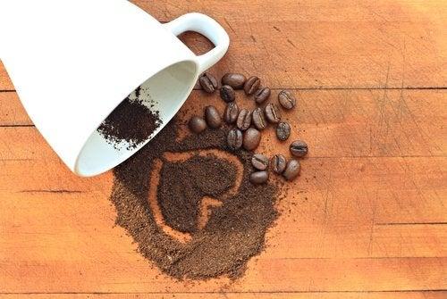 öğütülmüş ve çekirdek kahve