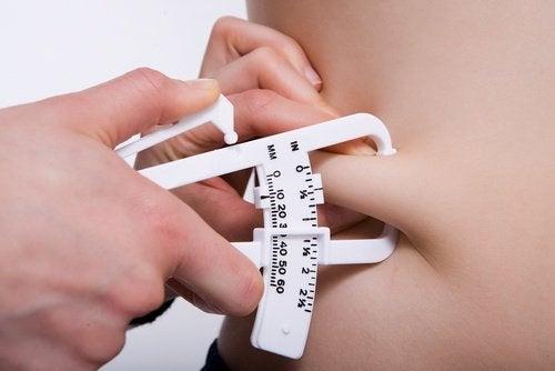 Deri altı yağları yakmak için nasıl kullanılır veya Aşırı kilo ile mücadele