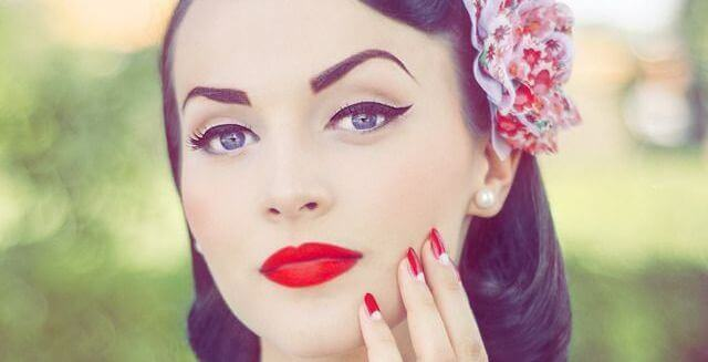 pinup eyeliner