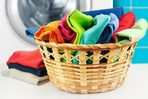 sepette renkli çamaşırlar