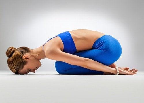 yoga çocuğun duruşu