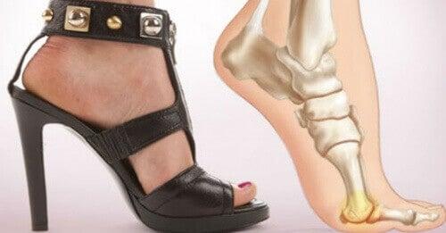 Topuklu Ayakkabı Giymeyi Bırakmak için 5 Neden