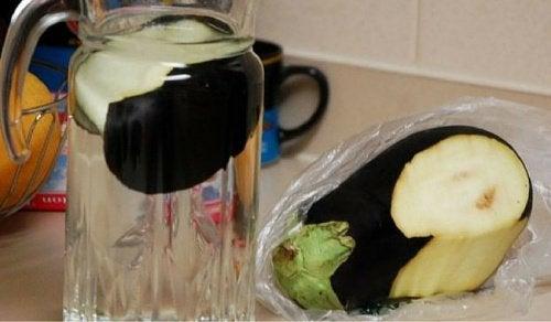Yağ Yakmak ve Kolesterol Kontrolü için Patlıcan Suyu