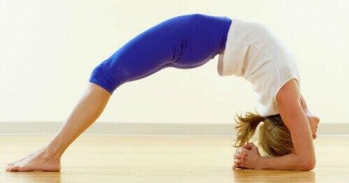 Anksiyete ve Stres Seviyelerini Azaltan 5 Yoga Hareketi