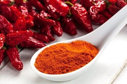 kuru kırmızı ve toz biber