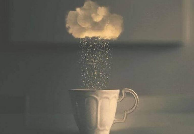 bulut ve fincan