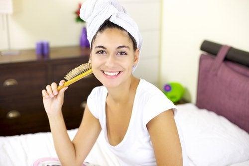 saçı havluya sarmak