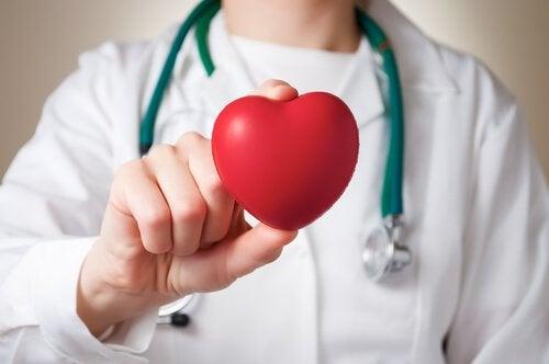 kırmızı kalp doktor