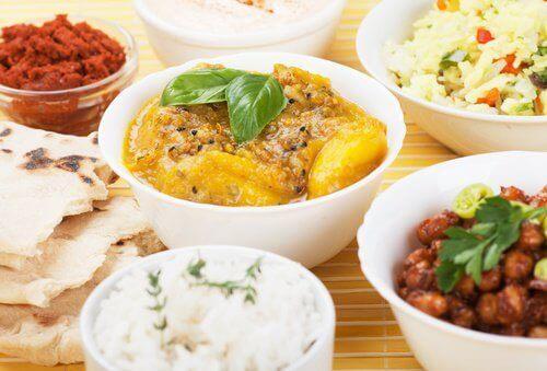 Hint mutfağından yemekler