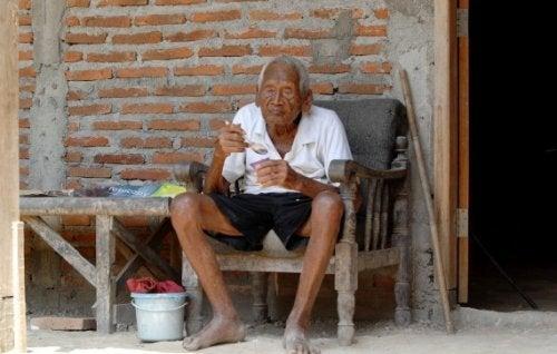 Mbah Gotho, 145 Yaşında Olduğunu İddia Eden Adam