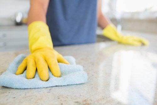 mutfak tezgahı temizliği