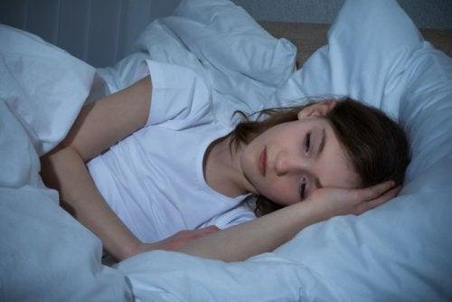 Gece Aşırı Terleme ile İlgili Olası 5 Sebep