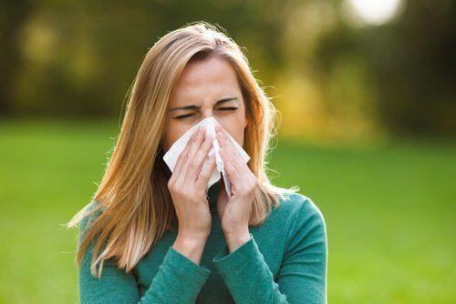 alerji olmuş kadın