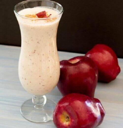 elma tarçın smoothie