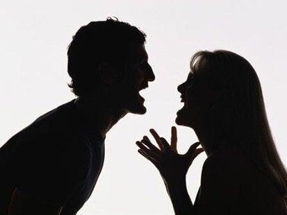 Partnerinizle Aptalca Tartışmalara Girmekten Kaçının