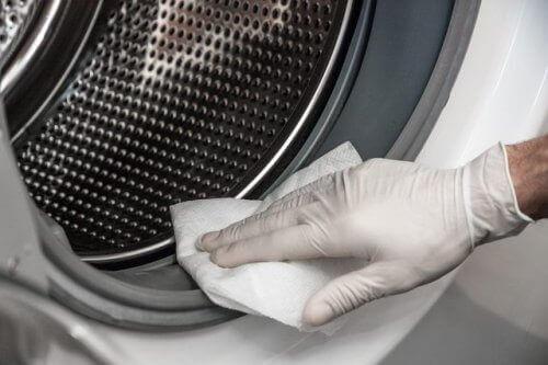 Çamaşır Makinenizdeki Küfü Doğal Yollarla Gidermek