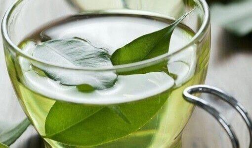 artritle savaşmak için yeşil çay