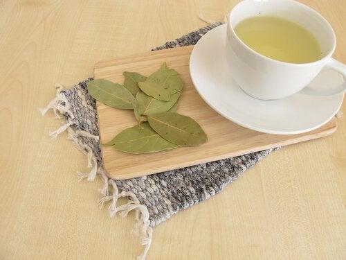 defne yaprağı çayı