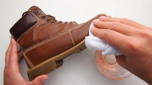 ayakkabı cilası