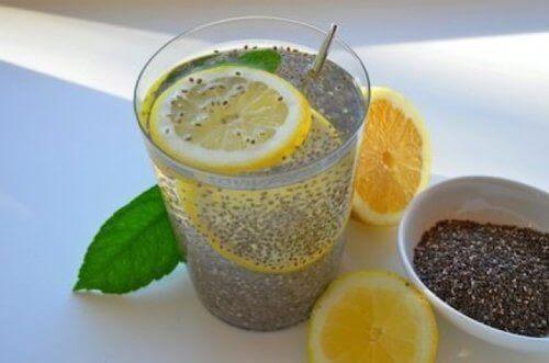 chia tohumlu limonlu içecek