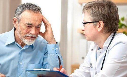 doktora danışan hasta