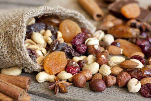 Daha Fazla Kuru Yemiş Tüketmeniz İçin 7 Sebep