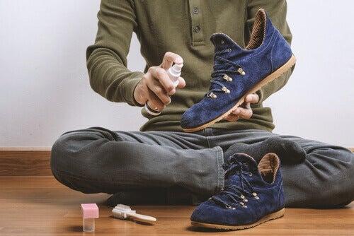 Ayakkabılardaki Kötü Kokuyu Gidermek İçin 8 Yol