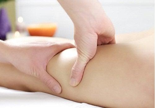masaj yapılan bacaklar