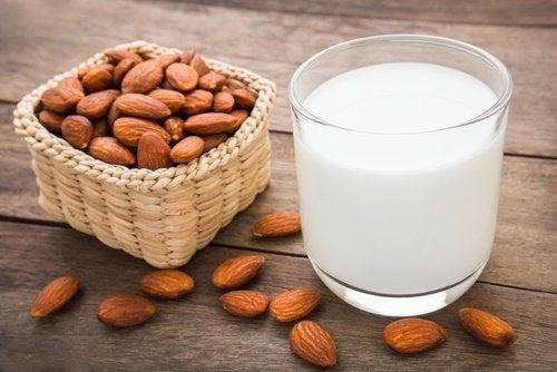 süt ve badem