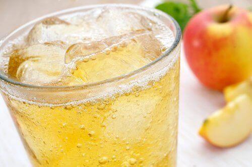 İçeceklere Buz Koymak Kötü Bir Şey Midir?