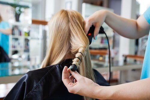dalgalı saç için alüminyum folyo kullanımı