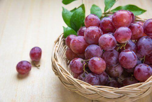 Yaşlanma Belirtileriyle Mücadele Etmeye Yardımcı 10 Meyve