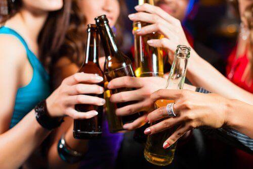alkolden kaçınarak böbreklerinizi koruyun