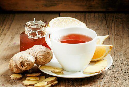 dizlerdeki şişlik için zencefil çayı