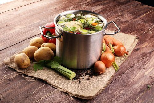 patatesli soğanlı çorba
