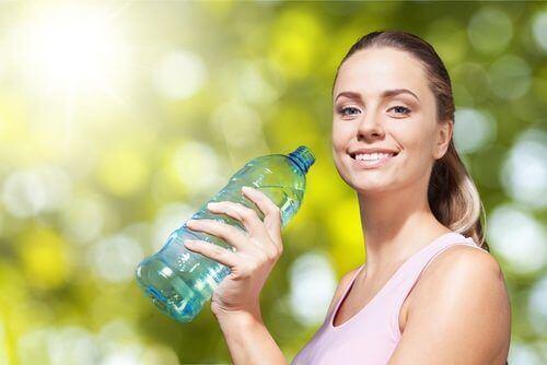 Fazla Sıvılardan Kurtulmak için Bir Günlük Detoks