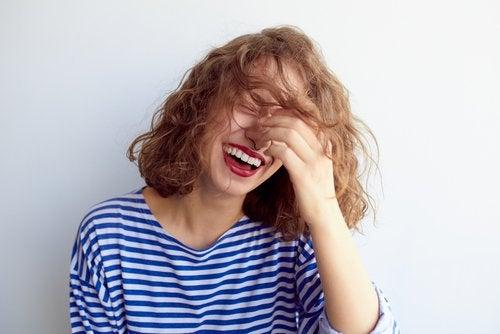 Gülme Terapisi: Gülmek İyileştirir